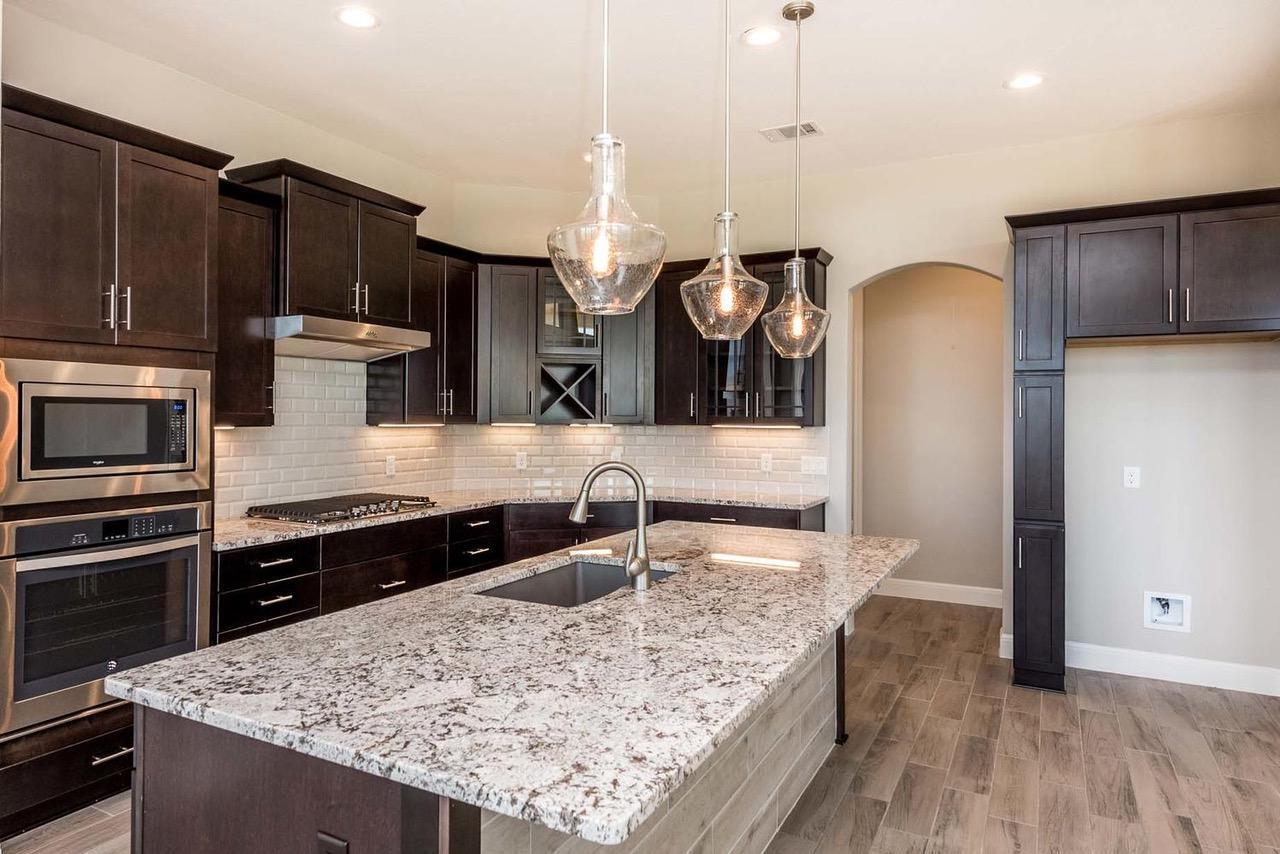 109 Floyds Run, Bertram TX - spacious kitchen